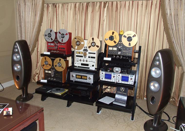 analogni_magnetofoni_tvrtke_technics_kao_izvor_zvuka_luxman_integrirano_pojaalo_vivid_audio_k1_zvunici_i_kubala-sosna_kabeli.jpg
