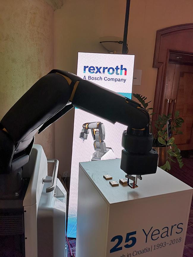 Bosch 25 godina robot